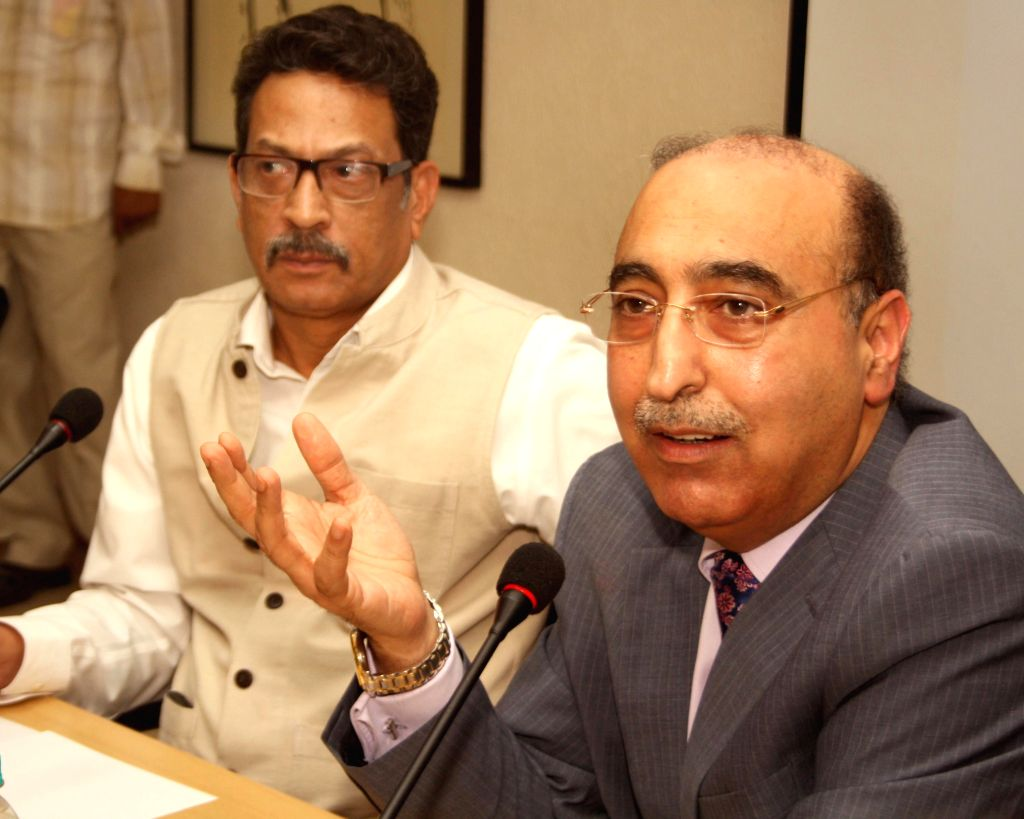 Pakistani High Commissioner Abdul Basit and Vice chancellor of Jamia Millia Islamia, S M Sajid during an interactive session on 'Pakistan Foreign Policy: Challenges and Priorities' at Jamia Millia ...