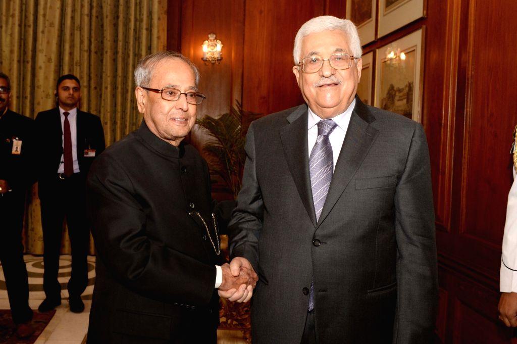 Palestine President Mahmoud Abbas meets President Pranab Mukherjee at Rashtrapati Bhavan in New Delhi on May 16, 2017. - Pranab Mukherjee