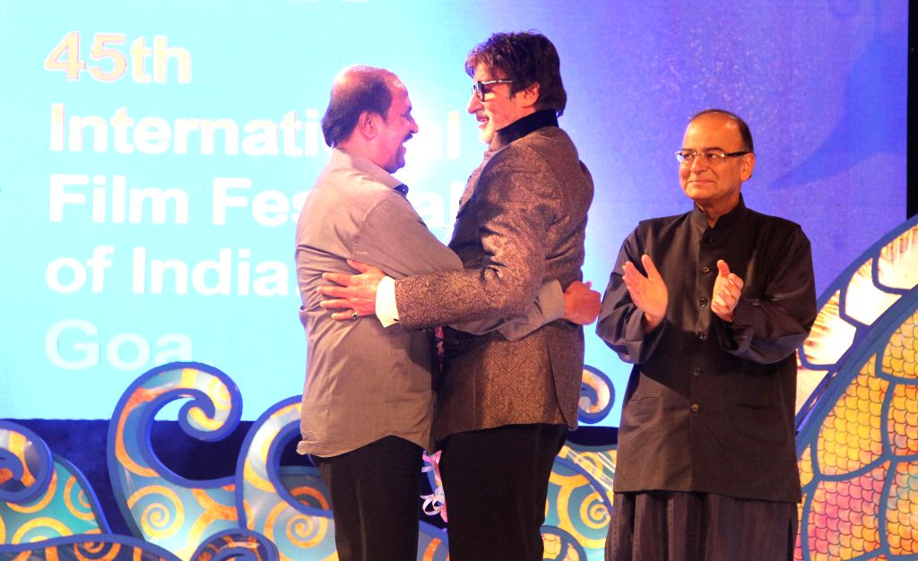 Actors Rajnikant and Amitabh Bachchan with Indian Finance Minister and Minister of Information and Broadcasting Arun Jaitley at the inauguration of the 45th International Film Festival of ... - Rajnikant, Amitabh Bachchan and Arun Jaitley