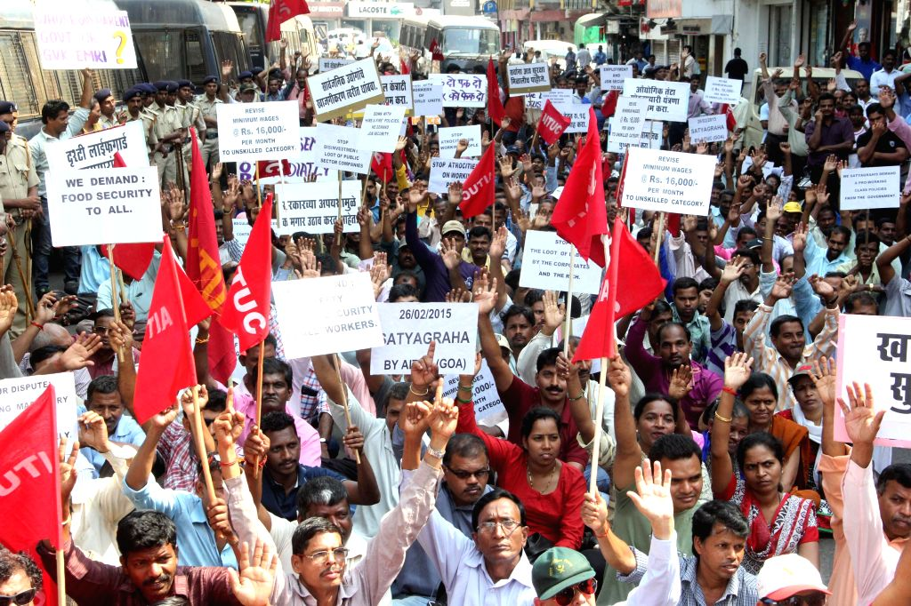 Workers affiliated to AITUC participate in `Jail Bharo Andolan` against host of issues including land acquisition ordinance in Panaji, on Feb 26, 2015.