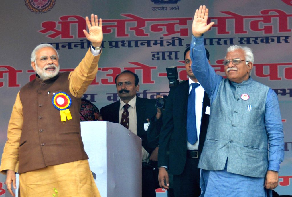 Prime Minister Narendra Modi with Haryana Chief Minister Manohar Lal Khattar at the launch of `Beti Bachao-Beti Padhao` campaign in Panipat, Haryana on Jan 22, 2015. - Narendra Modi and Manohar Lal Khattar