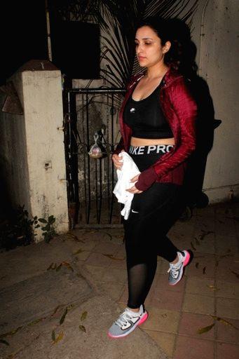 Parineeti Chopra Spotted  Satyam Dance Class Juhu on Saturday 06th March, 2021. - Parineeti Chopra Spotted