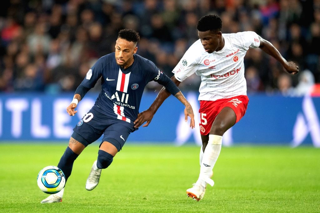 "Paris, April 25 (IANS) French Ligue 1 players are required to undergo ""full medical checkups"" for returning clubs the week starting May 11, paving the way of restarting top flight in June pending government clearance, the French league (LFP) said."