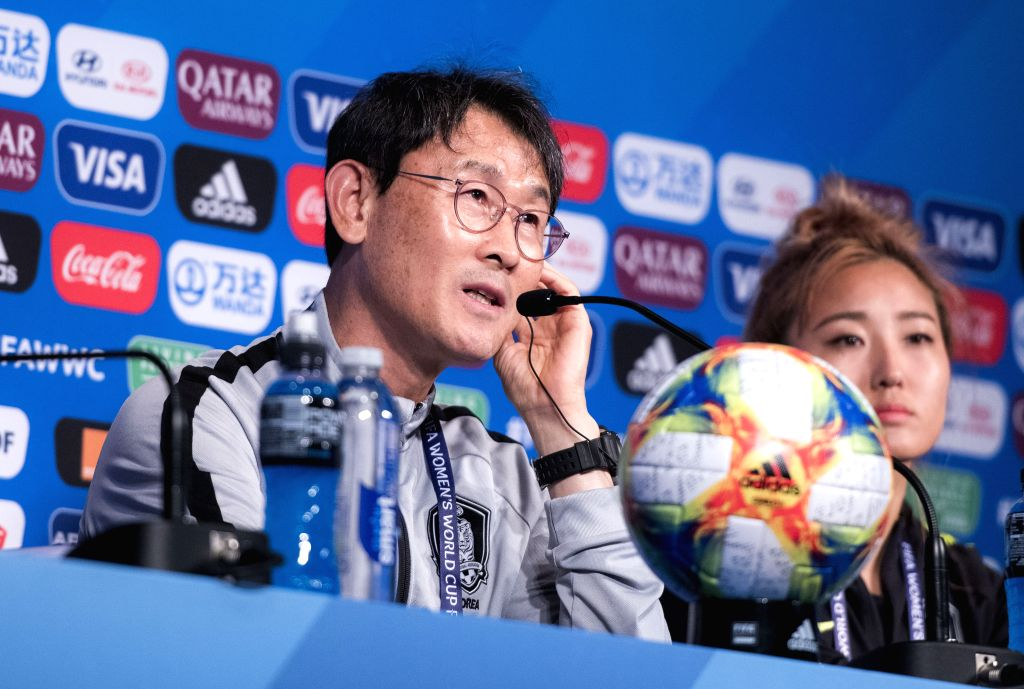 PARIS, June 7, 2019 - Head Coach Yoon Dukyeo (L) and captain Cho Sohyun of South Korea attend the press conference held at the Parc des Princes in Paris, France on June 6, 2019. - Cho Sohyun