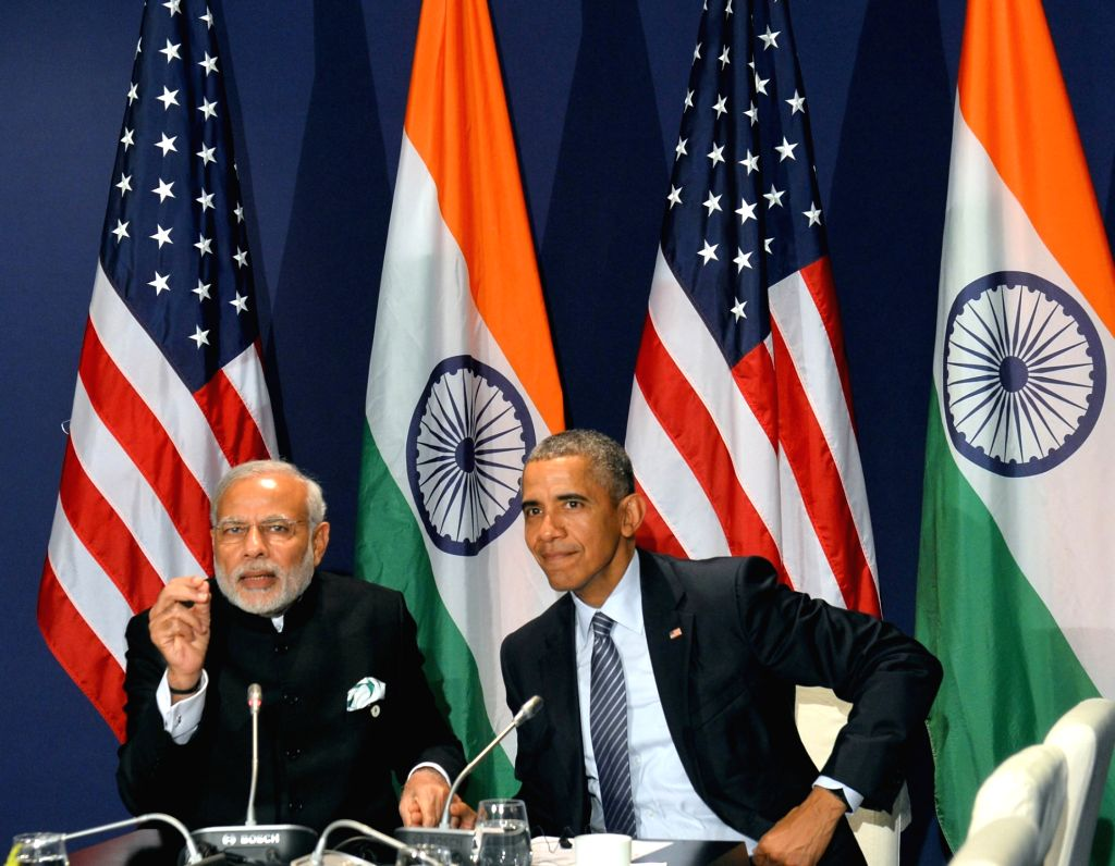 : Paris: Prime Minister Narendra Modi meets the President of United States of America (USA) Barack Obama, on the sidelines of COP21 Summit, in Paris, France on Nov 30, 2015. (Photo: IANS/PIB).