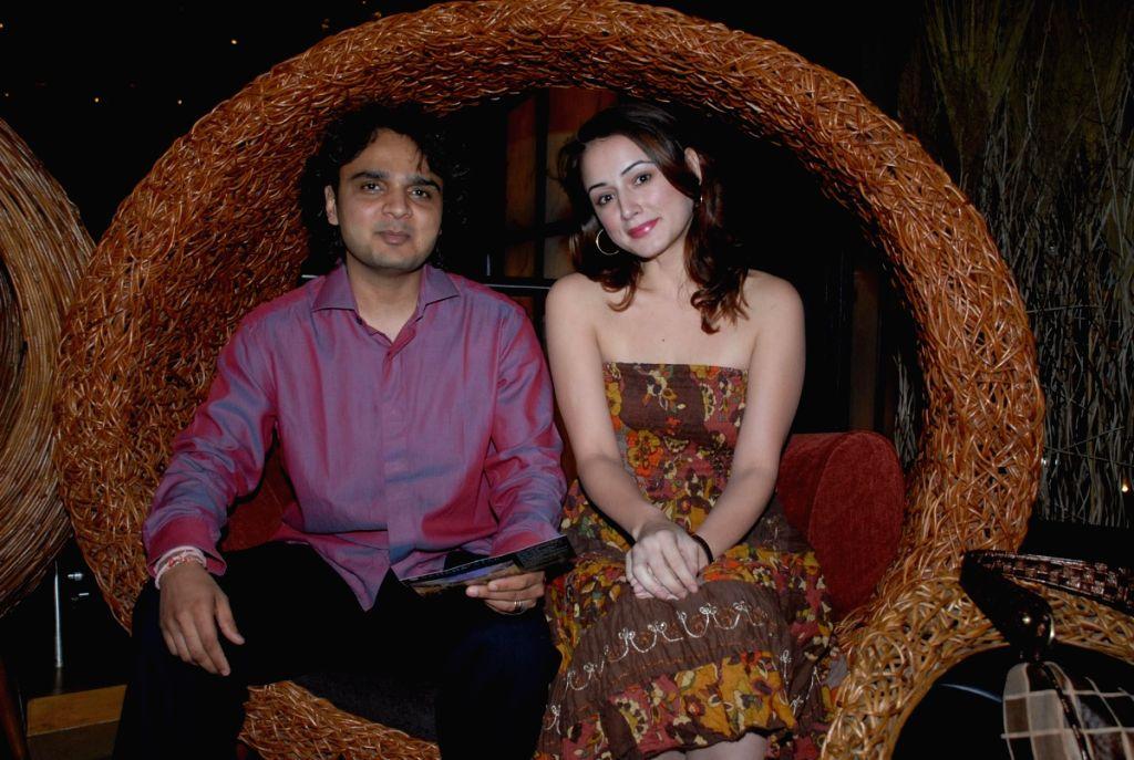 Parthiv Gohil and linda arsenio at music event.