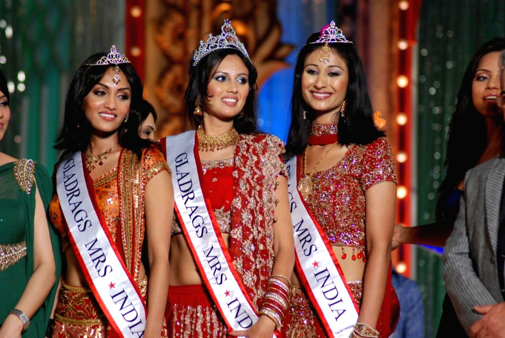 Participants at the Gladrags Mrs.India contest.