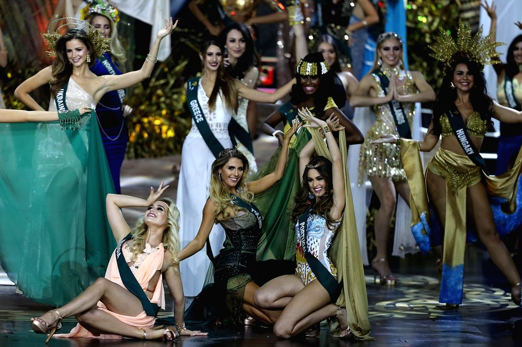 PASAY CITY (THE PHILIPPINES), Nov. 3, 2018 Contestants pose on stage during the coronation night of the Miss Earth 2018 in Pasay City, the Philippines, on Nov. 3, 2018. Phuong Khanh ...
