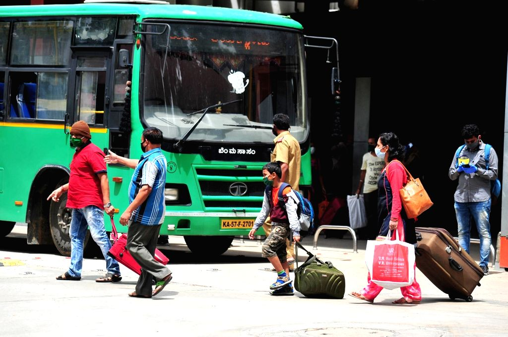 Passengers sans masks in K'taka bus land conductor in soup (Photo: IANS)