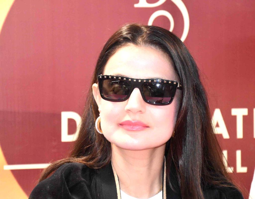 Patna: Actress Ameesha Patel at the inauguration of a jewelry store in Patna, on May 29, 2019. (Photo: IANS) - Ameesha Patel