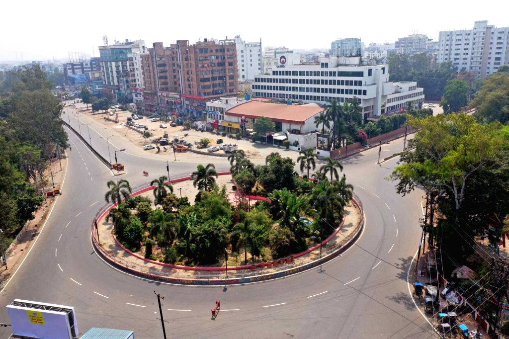Patna bears a deserted look on Day 7 of the 21-day nationwide lockdown imposed as a measure to contain the spread of coronavirus, on March 31, 2020.