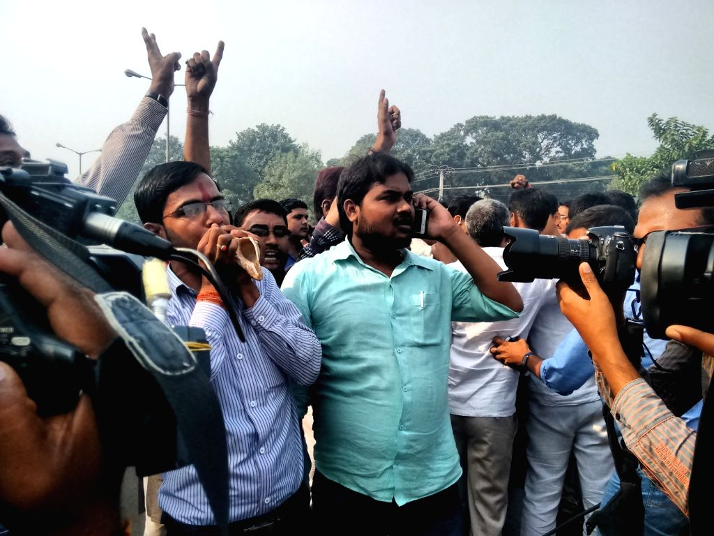:Patna: BJP workers celebrate during the initial stage of Bihar assembly poll counting in Patna on Nov 8,2015. (Photo: IANS).