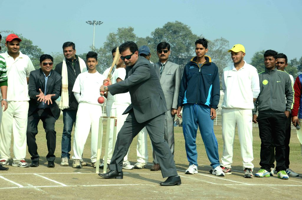Former cricketer Chetan Sharma bats at Moinul Haque Stadium in Patna on Jan 14, 2015. He also gave batting tips to budding cricketers.
