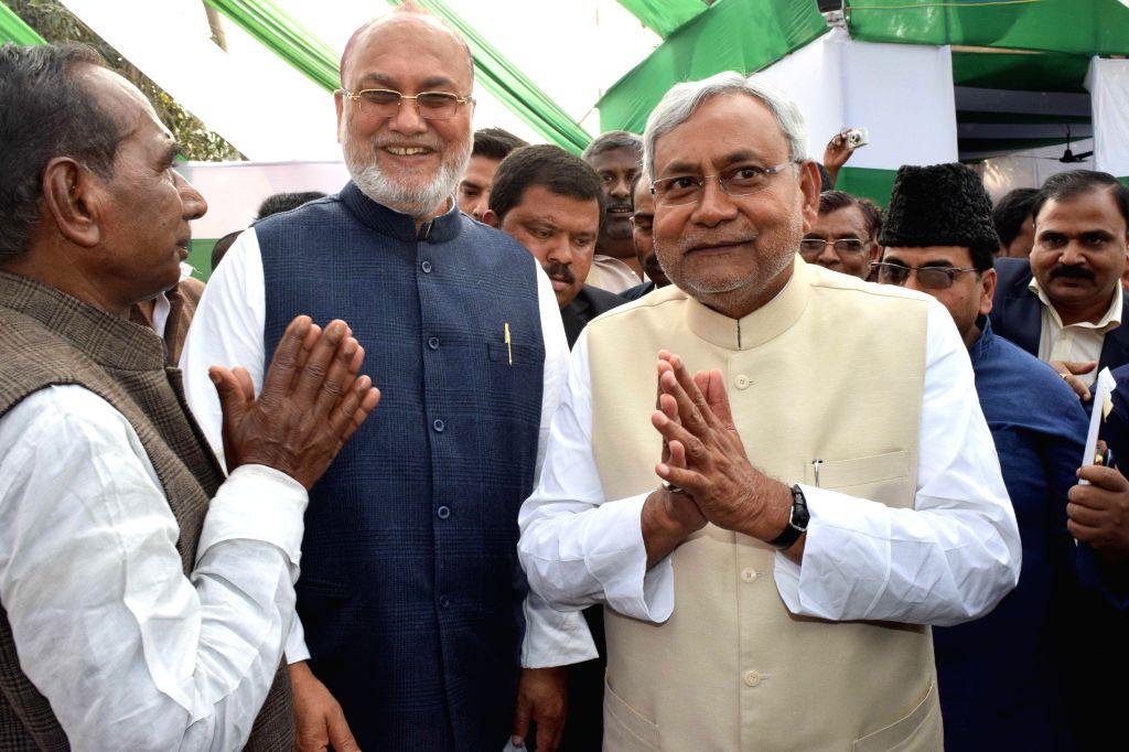 JD(U) leader Nitish Kumar during a lunch organised at RJD leader Ranju Gita's residence in Patna, on Feb 19, 2015.