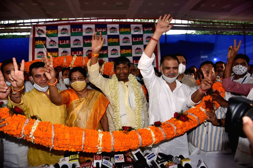 Patna :  Lok Janshakti Party leader Pashupati Kumar Paras being garland by supporters after elected for the post of party National president in Patna, on Thursday  17 June 2021. - Pashupati Kumar Paras