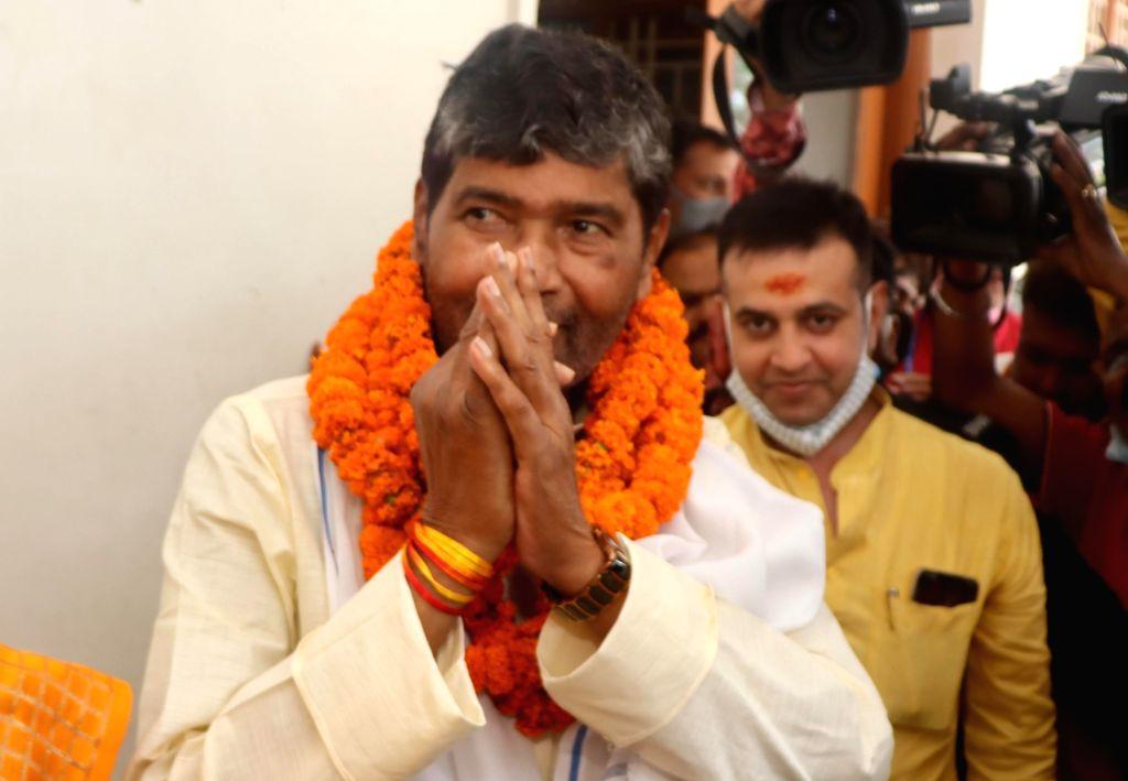 Patna:  Lok Janshakti Party rebel leader Pashupati Kumar Paras filing his nomination paper for party National president in Patna, on Thursday  17 June 2021. (Photo: AFTAB ALAM SIDDIQUI/ IANS) - Pashupati Kumar Paras