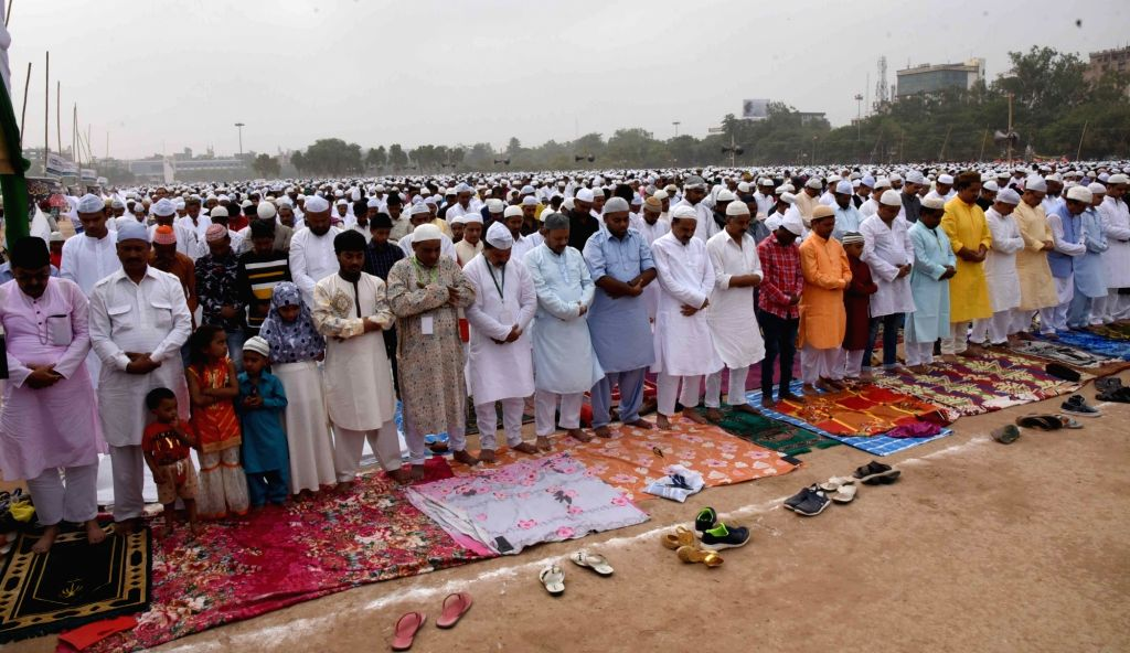 Patna: People offer namaz on Eid-ul-Fitr, in Patna, on June 5, 2019. (Photo: IANS)
