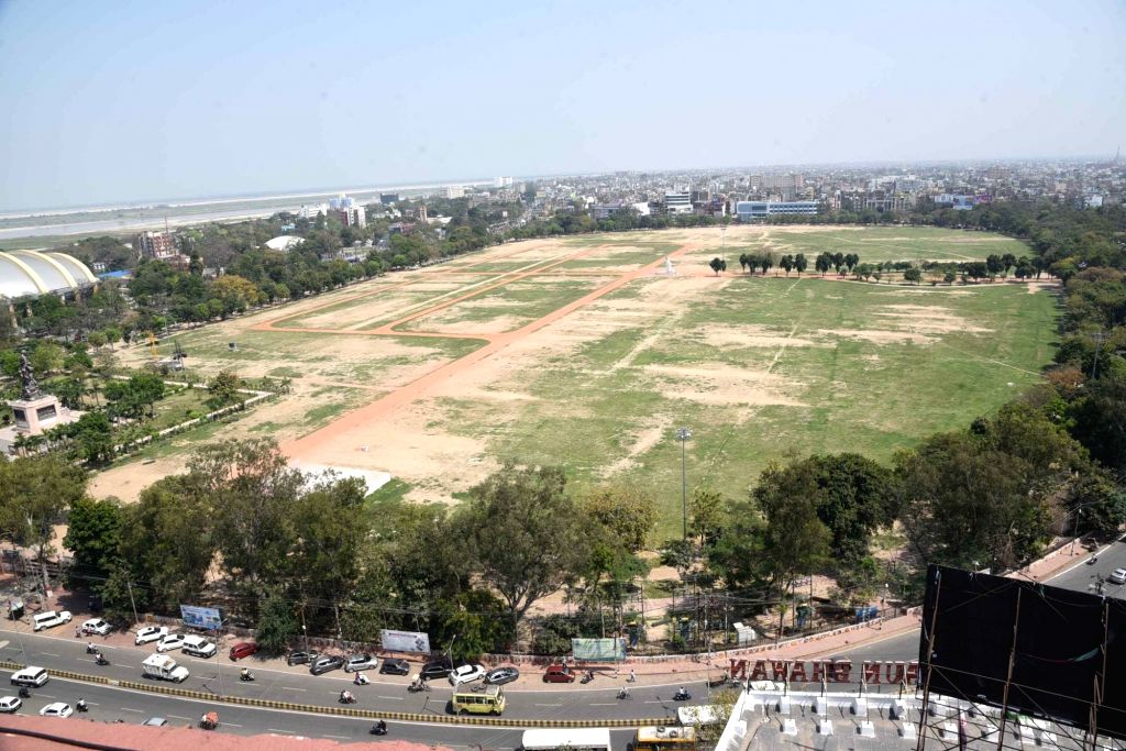 Patna's Gandhi Maidan bears a deserted look amid COVID-19 scare, on March 20, 2020.