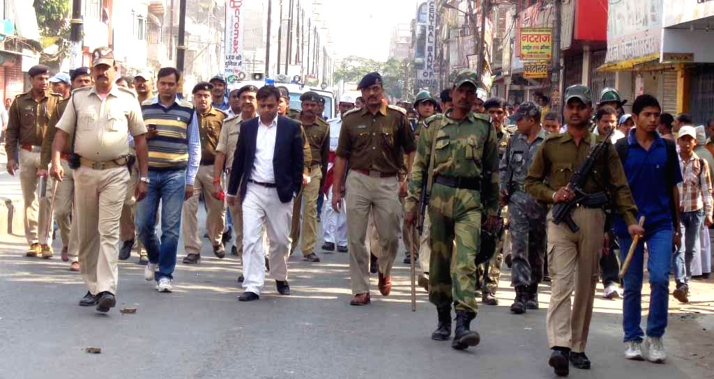 Security beefed-up in Patna after a senior BJP leader, Srikant Bharti was shot dead in Bihar's Siwan district, triggering violent protests in the capital on Nov 24, 2014.