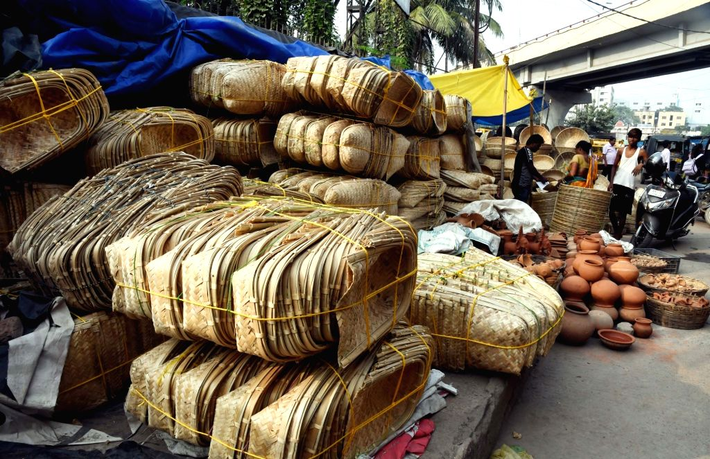Patna: Winnowing baskets on sale ahead of Chhath Puja celebrations in Patna, on Oct 28, 2019. (Photo: IANS)