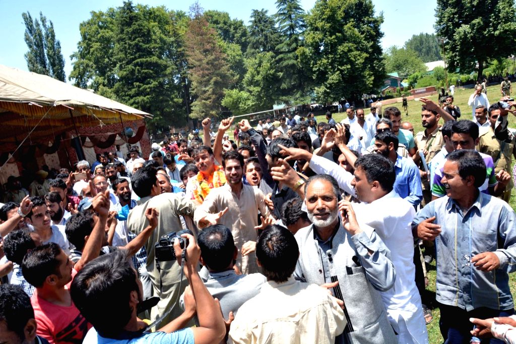 PDP workers celebrate the victory of party chief Mehbooba Mufti in Anantnag by-election on June 25, 2016. - Mehbooba Mufti