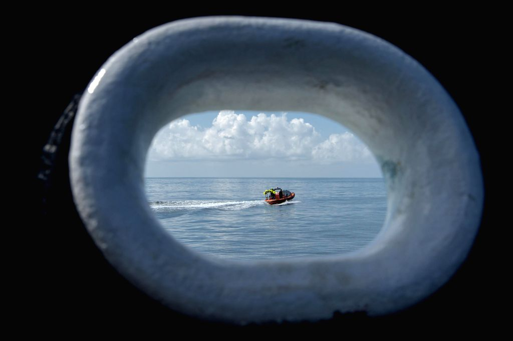 Pensacola (U.S.), Aug. 2, 2020 SpaceX support teams are deployed on a fast boat from the SpaceX recovery vessel GO Navigator ahead of a splashdown of the SpaceX Crew Dragon ...