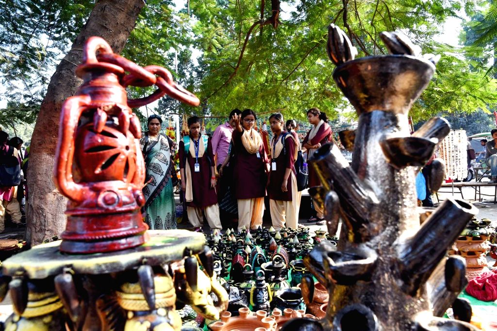 People busy buying earthen lamps ahead of Diwali - festival of lights in Patna on Nov. 1, 2018.
