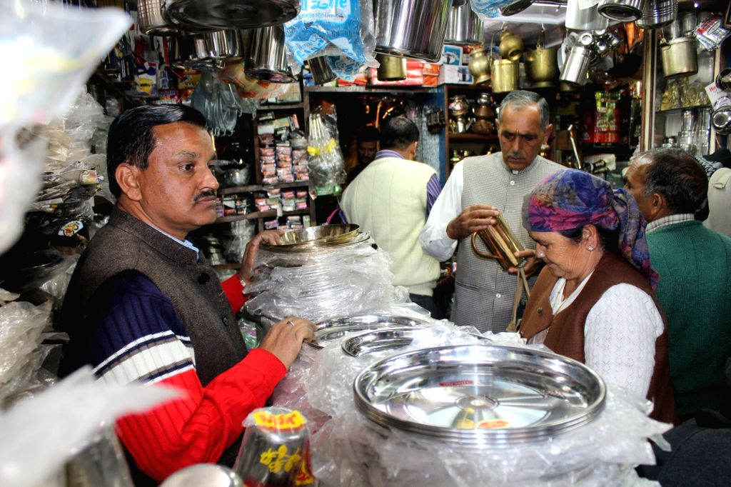 """People busy purchasing utensils on """"Dhanteras"""" in Shimla on Oct 28, 2016."""