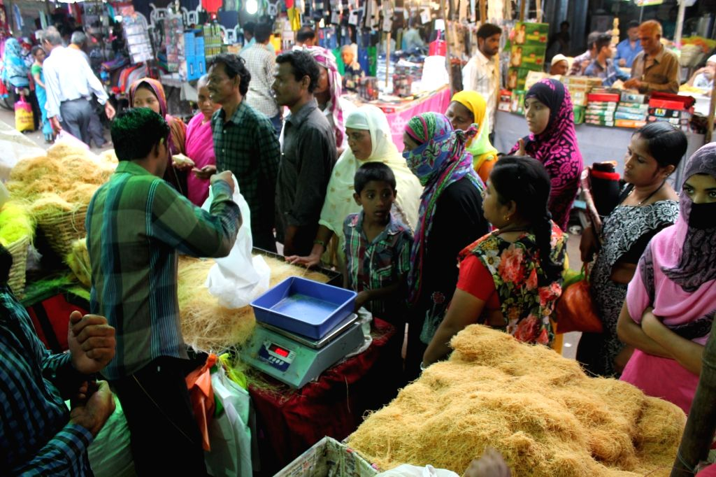 People busy with Eid shopping in Nagpur on Kuly 4, 2016.