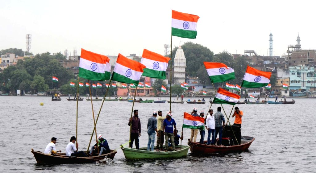 People celebrate Independence Day in Bhopal on Aug 15, 2016.