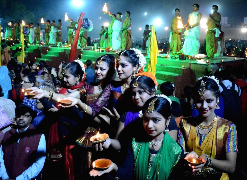 People celebrate Kartik Purnima in Lucknow on on Nov 25, 2015.