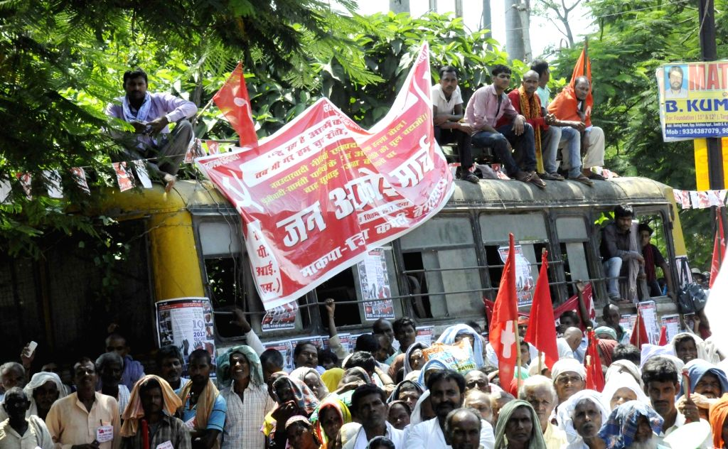 """People during the """"Jan Akrosh March"""" organised by Communist Party of India (CPI) in Patna on Sept 19, 2017."""