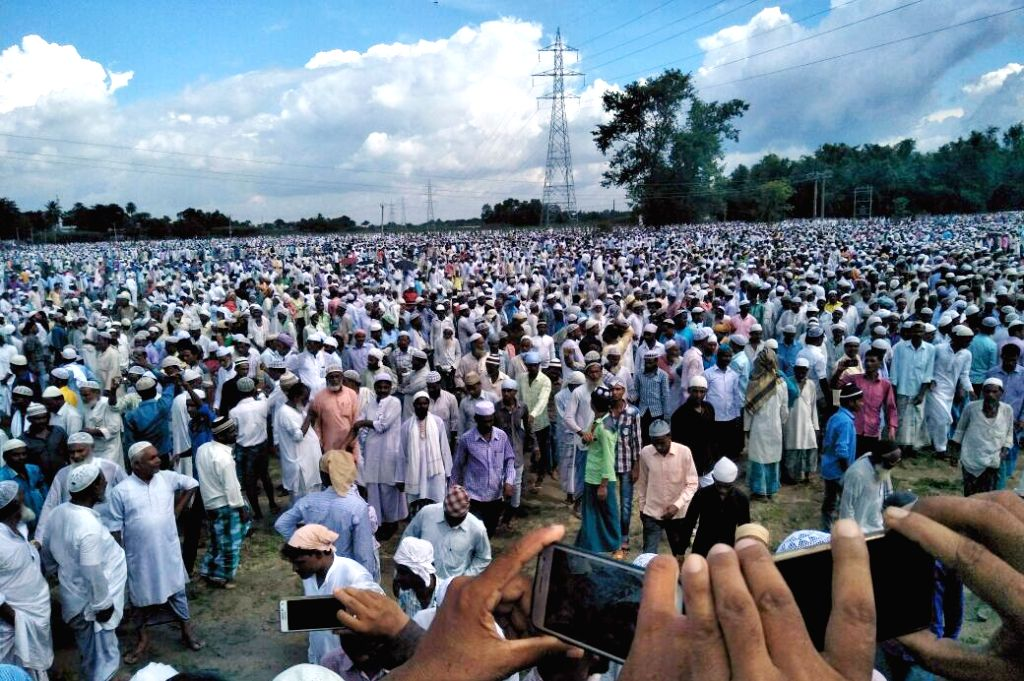 People gather to offer funeral prayer for RJD MP Mohammed Taslimuddin in Patna on Sept 19, 2017.