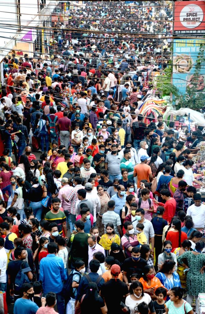 People gathered and shopping at New Market area ahead of the upcoming Durga Puja festival  amid the coronavirus pandemic  in Kolkata on Sunday october 03, 2021.