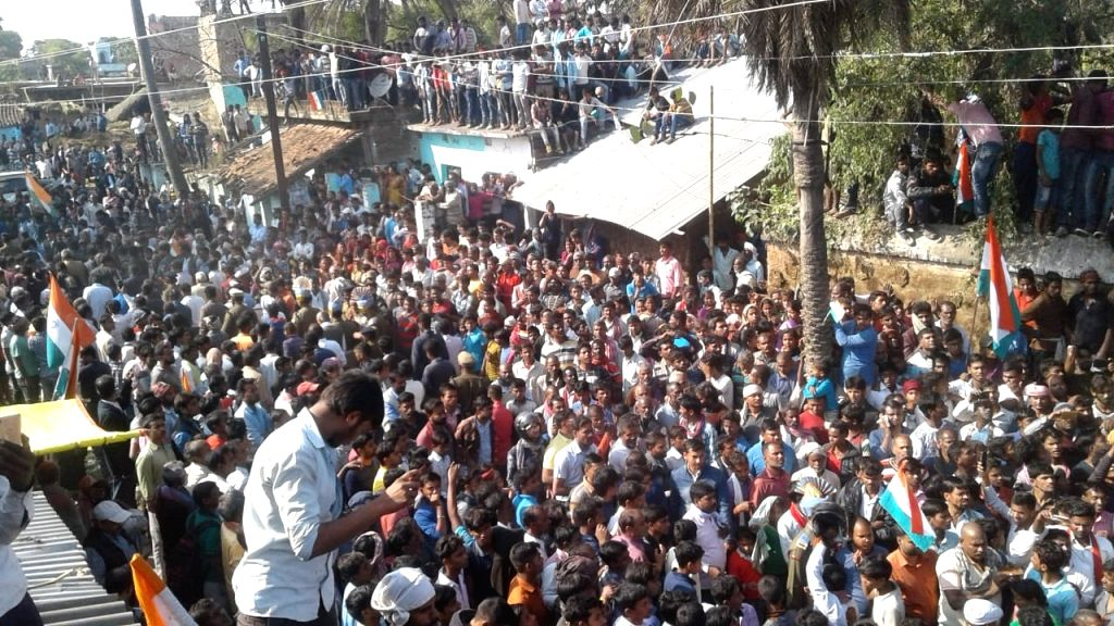 People in large numbers participate in the last rites of martyr Ratan Kumar Thakur, one of the 49 CRPF personnel killed in 14 Feb Pulwama militant attack, in Bhagalpur of Bihar on Feb 16, ... - Kumar Thakur