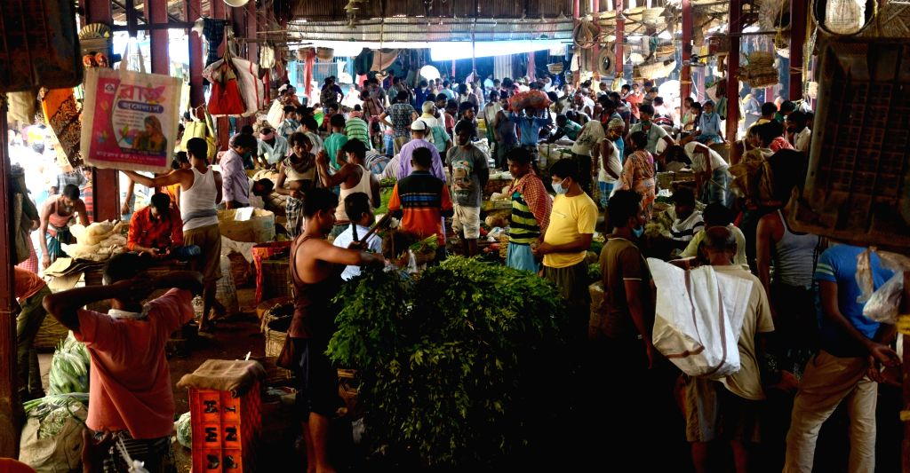 People neglect social distancing at Koley Market on the eve of biweekly lockdown during COVID 19 pandemic in Kolkata on August 30, 2020.