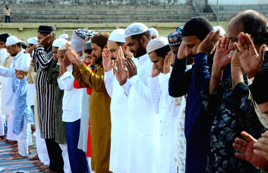 People offer Eid-ul-Fitr namaz in Nagpur on June 5, 2019.