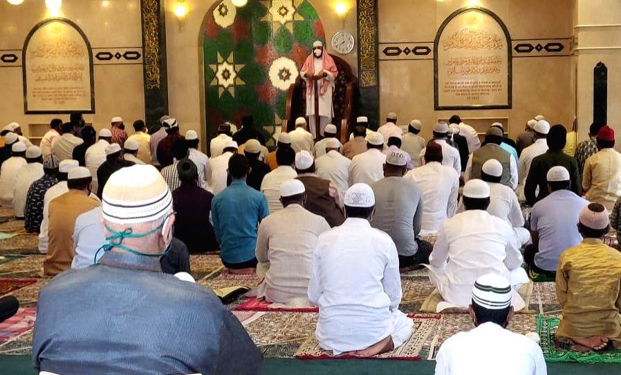 People offer Eid-Ul-Zuha namaz at Noor Masjid in Bengaluru on Aug 1, 2020.