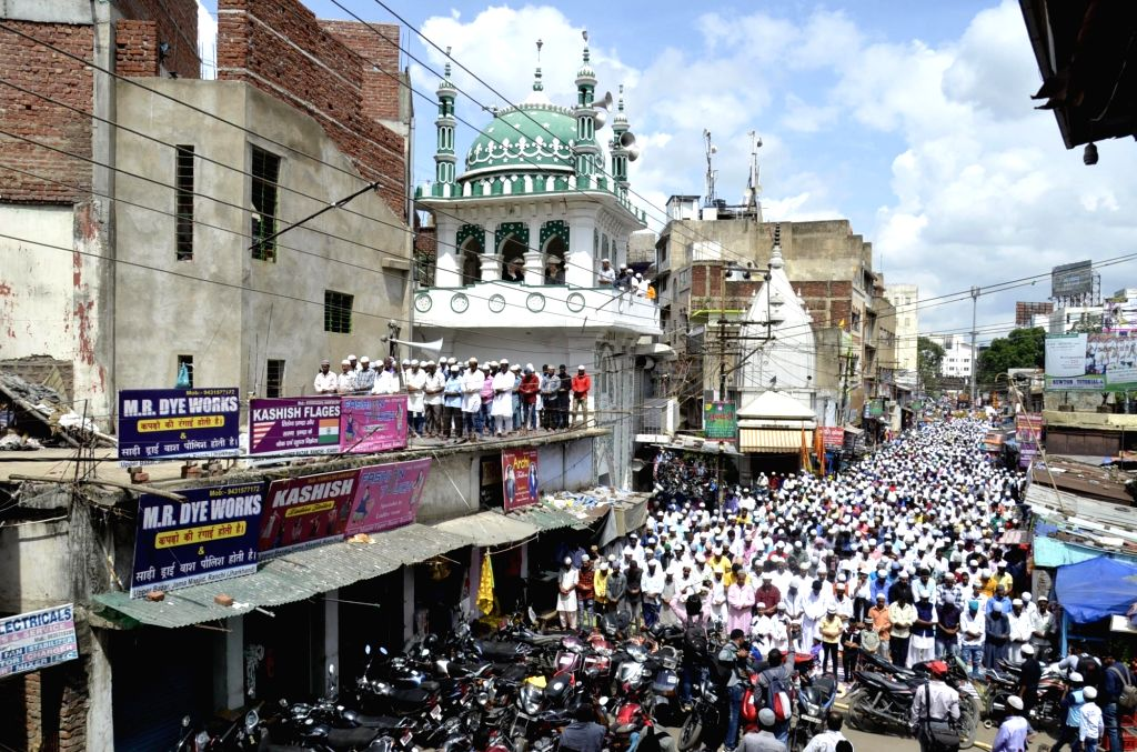 People offer namaaz on Jamat-Ul-Vida during Ramadan in Ranchi, on July 1, 2016.