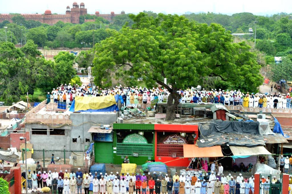 People offer namaz at Jama Masjid on Eid-ul-Adha in New Delhi on Aug 12, 2019.