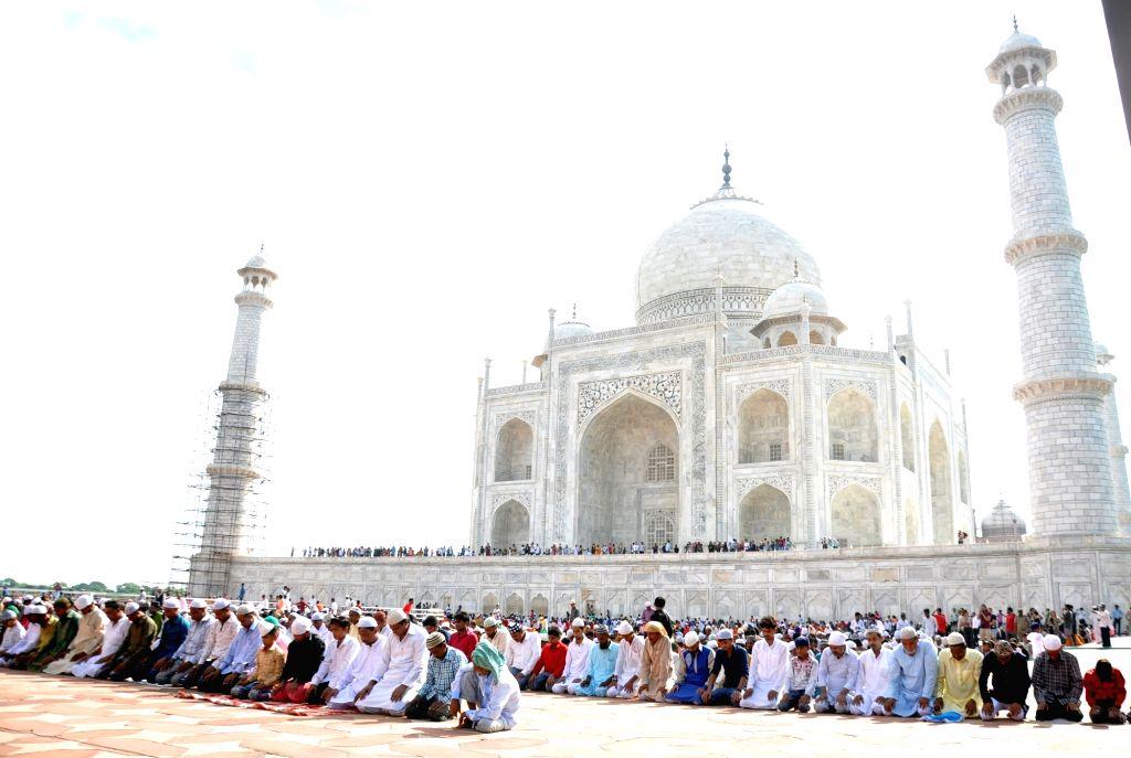 People offer namaz on Eid-ul-Adha at the Taj Mahal in Agra on Aug 12, 2019.
