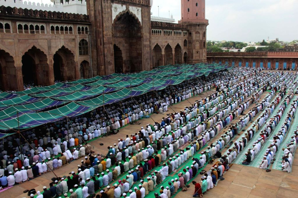 People offer namaz on the last Friday of Ramadan at Taj-ul-Masajid in Bhopal on June 23, 2017.
