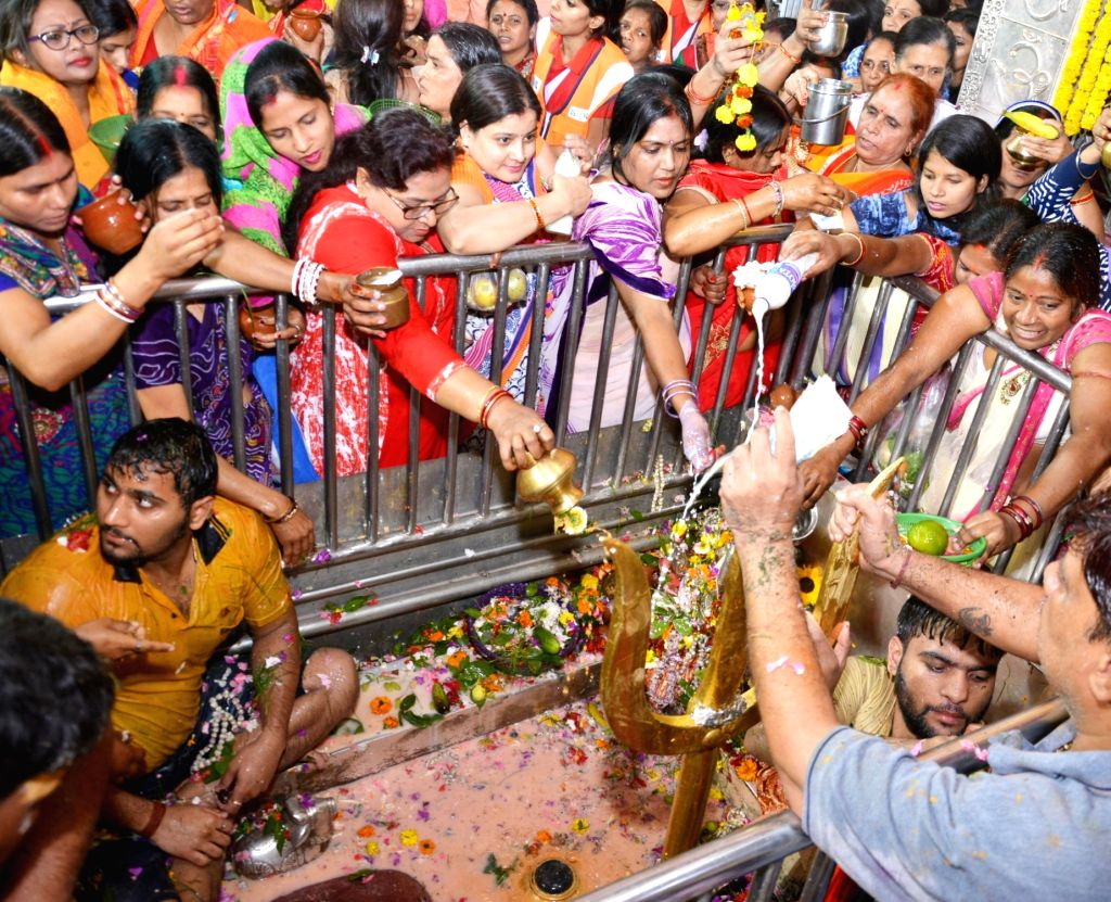 People offer prayers to Lord Shiva on Maha Shivaratri in Kolkata, on Feb 14, 2018.