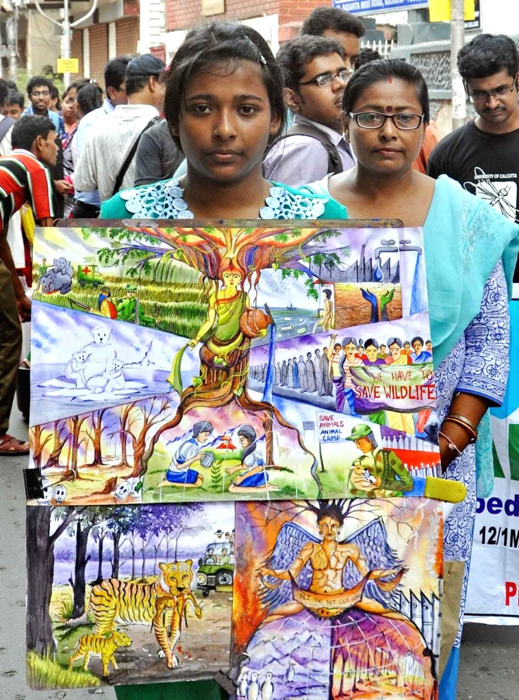 """People participate in  """"Wildlife Awareness Rally"""" in Kolkata, on Sept 25, 2016."""