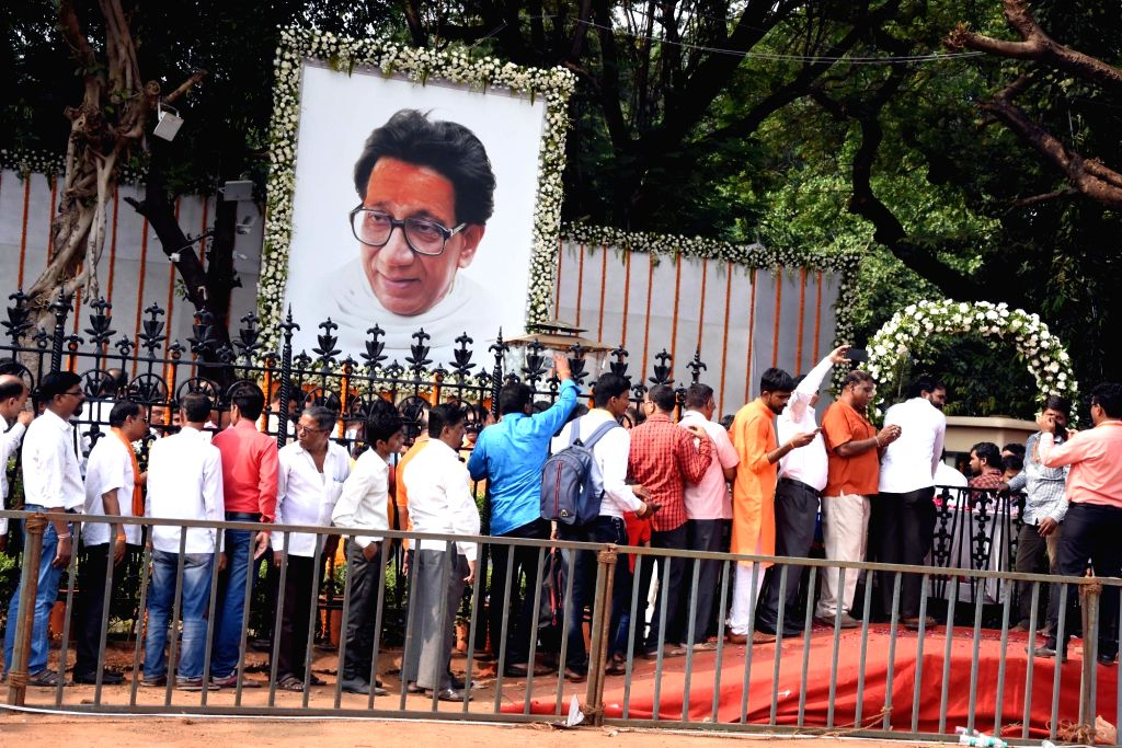 People pay tribute to former Sena supremo Bal Thackeray's on his 7th death anniversary at Shivaji Park Memorial in Mumbai on Nov. 17, 2019.