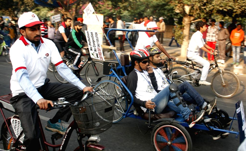 """People ride cycles during """"Car Free Day"""" in New Delhi, on Nov 22, 2015."""