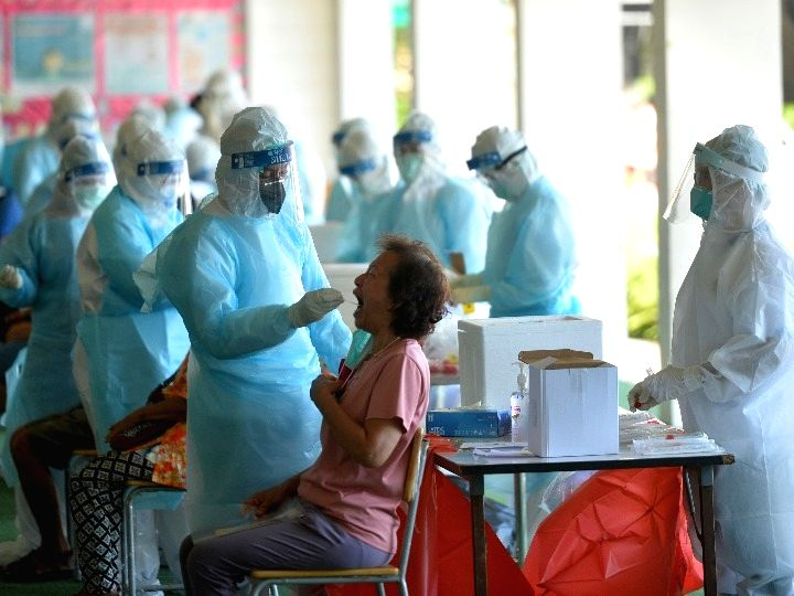 People take the swab test for COVID-19 in Bangkok, Thailand, May 13, 2021.