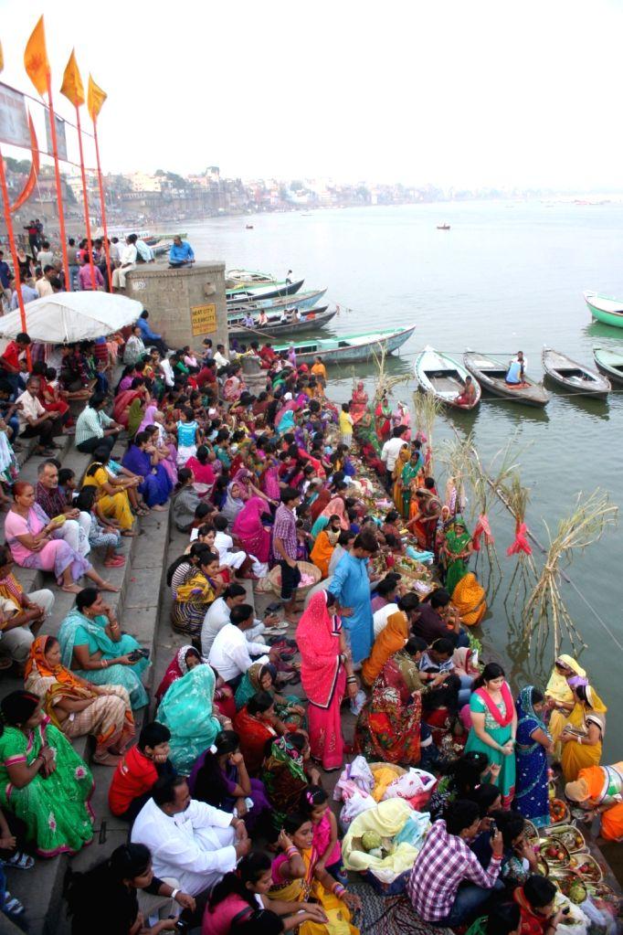 People throng Ganga ghats during Chhath Puja in Varanasi on Nov 17, 2015.
