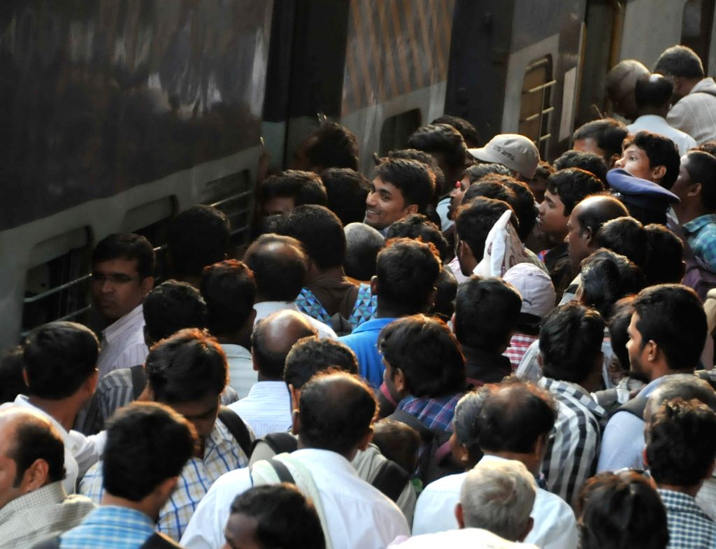 People throng Hyderabad railway station as they leave for their native places ahead of Dussehra on Oct 21, 2015.