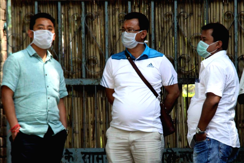 People wear masks to avoid swine flu. (File Photo: IANS)